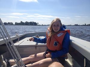 Myrthe voelt zich vrij op het water